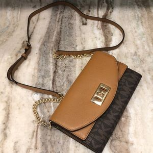 🔥Michael Kors purse /crossbody